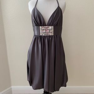 Cache formal dress